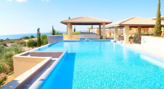 Large Swimming Pool Ocean View Designing Idea