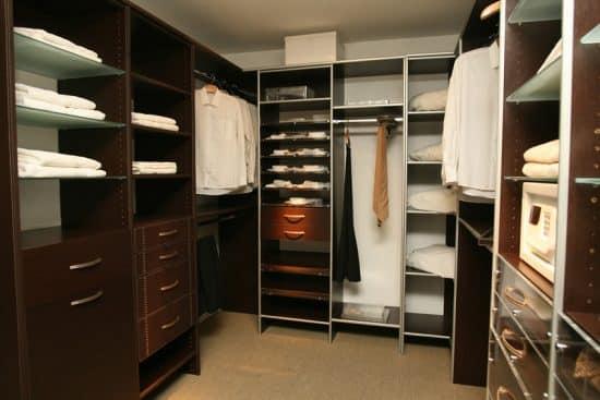 Beautiful walk in closet with glass shelves designing idea for Beautiful walk in closets