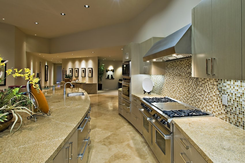 Curved Counter Kitchen With Tile
