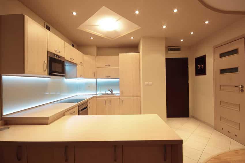 modern kitchen with under cabinet lighting - Trendy Kitchen Lights