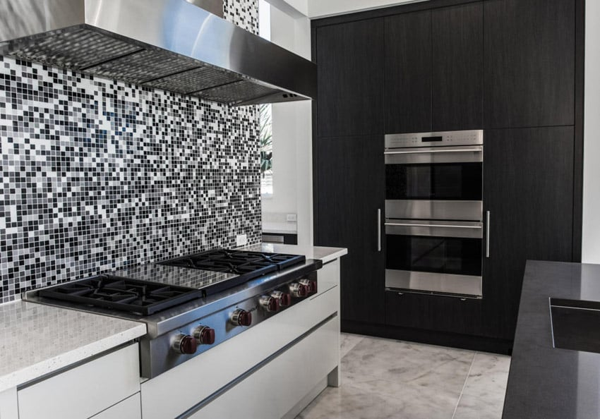 Modern Kitchen With Mosaic Tile And Black U0026 White Design
