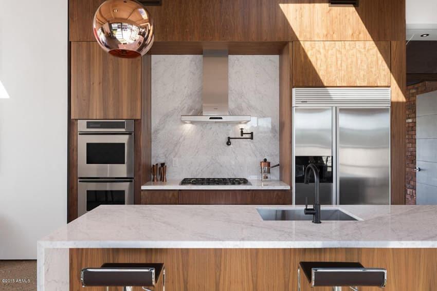 Compact modern kitchen design