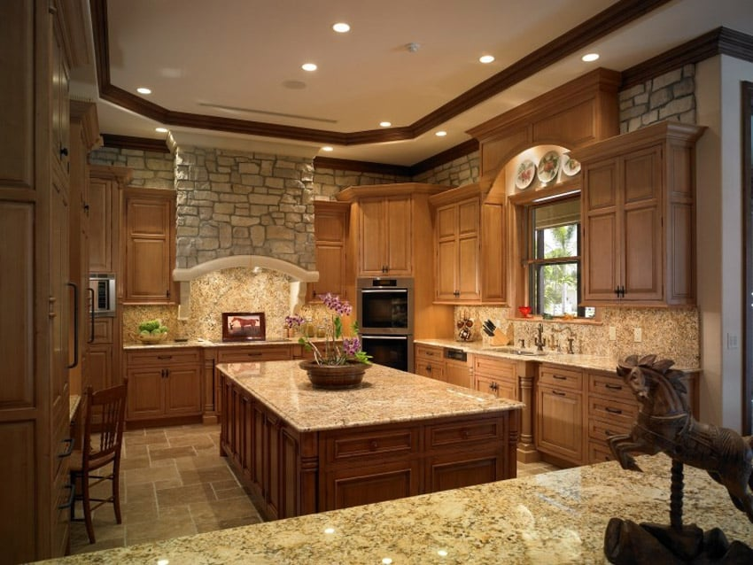 Traditional kitchen with venetian gold granite