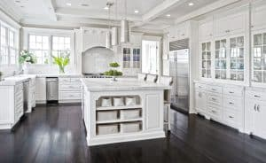 45 Luxurious Kitchens with White Cabinets (Ultimate Guide)