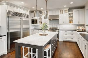 Gorgeous Contrasting Kitchen Island Ideas (Pictures)