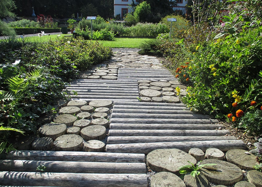 Budget wood pathway with flat and round logs