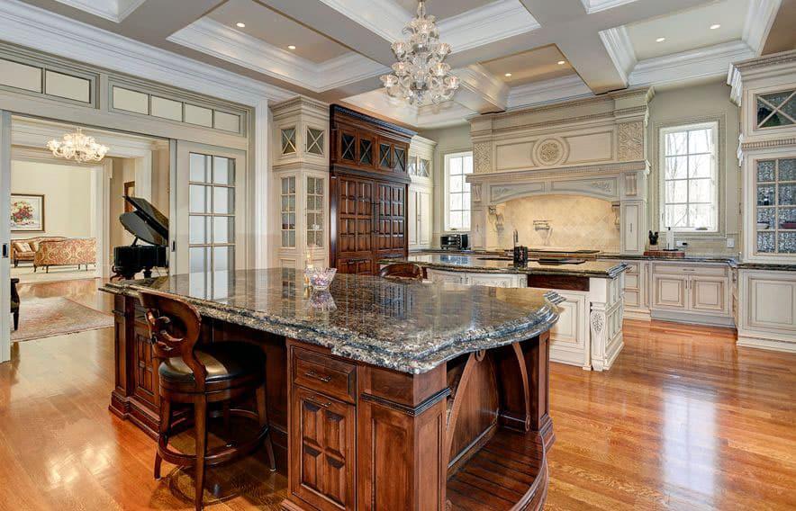 Luxurious kitchen with metallica granite slab island