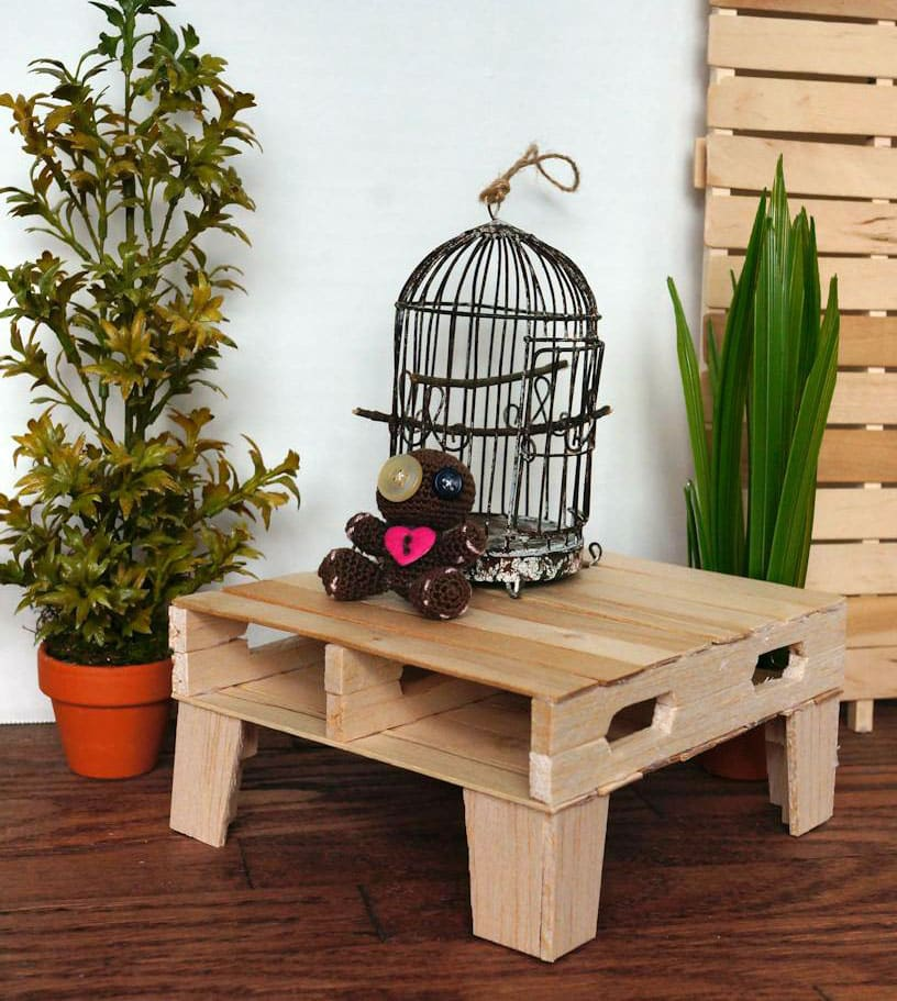 Small diy pallet table