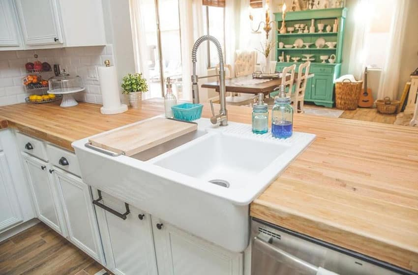 26 Small Kitchens with White Cabinets