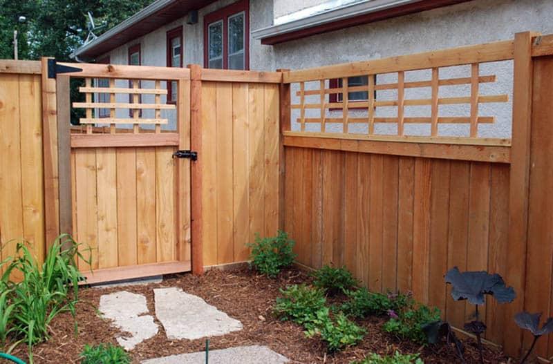 Cedar fence with gate and lattice top