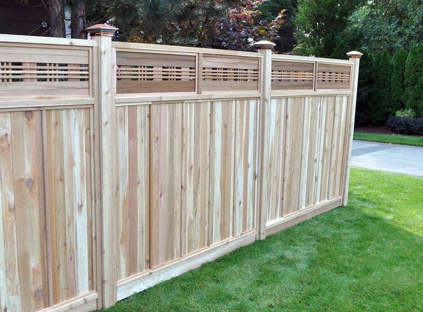 Wood fence panel with decorative lattice top