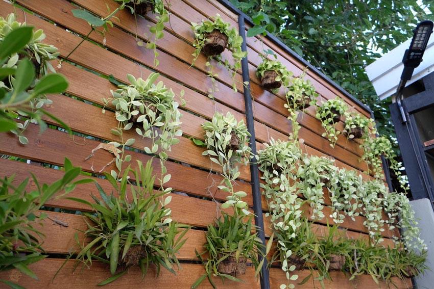 Wood vertical garden planter
