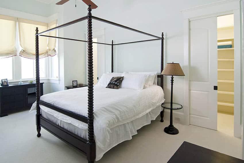Sliding pocket door in bedroom