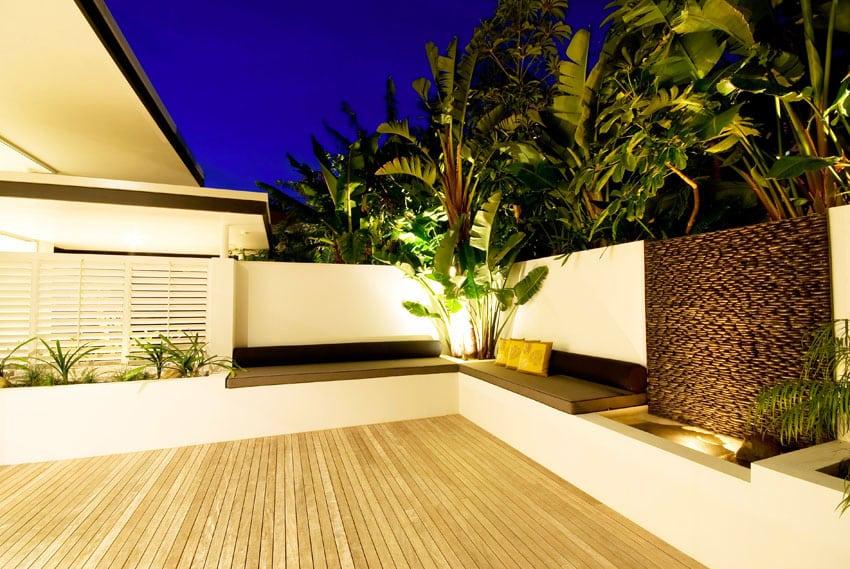 Backyard patio waterwall water feature