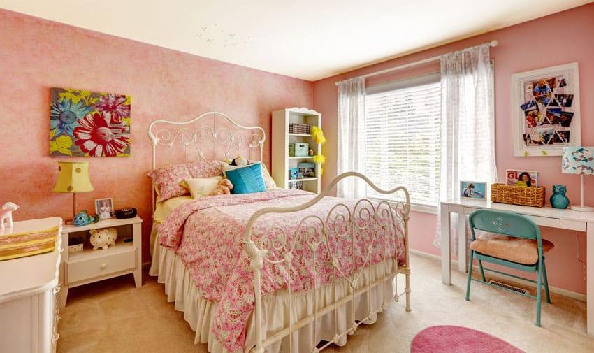 Cute teen girl bedroom