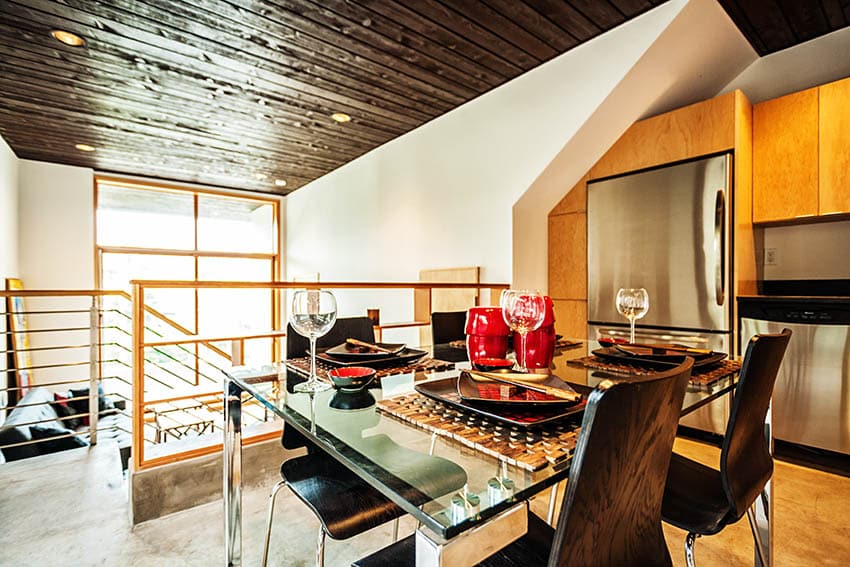 Japanese style dining room in loft apartment