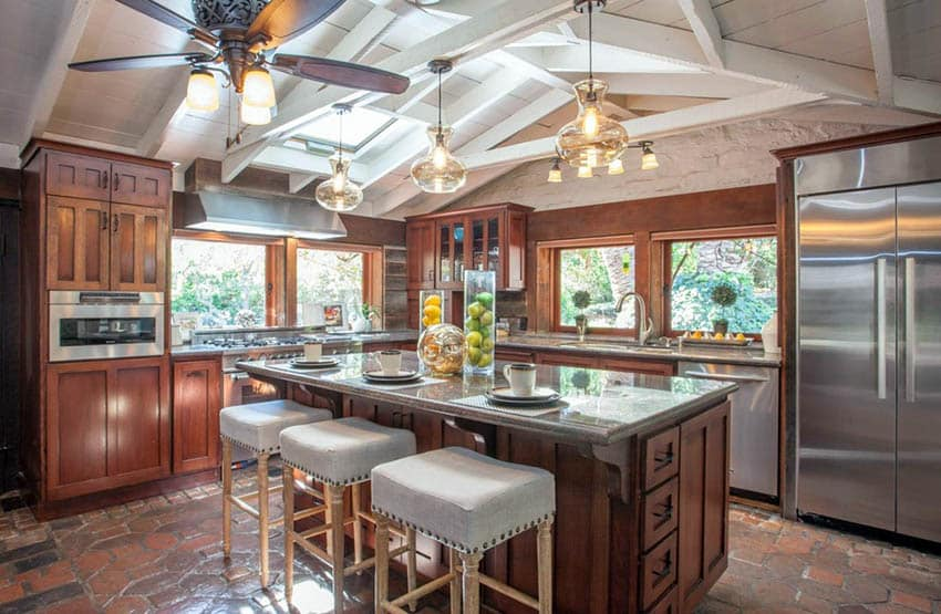 Kitchen with mission style cabinets