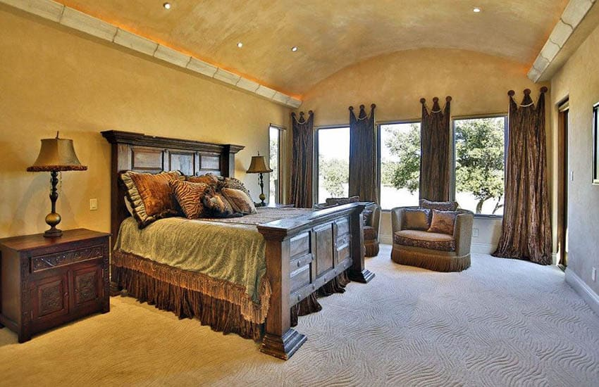 Bedroom with wool patterned carpet