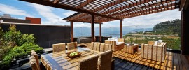 rooftop-deck-pergola-wicker-furniture
