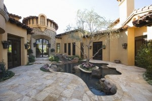water-feature-at-luxury-home