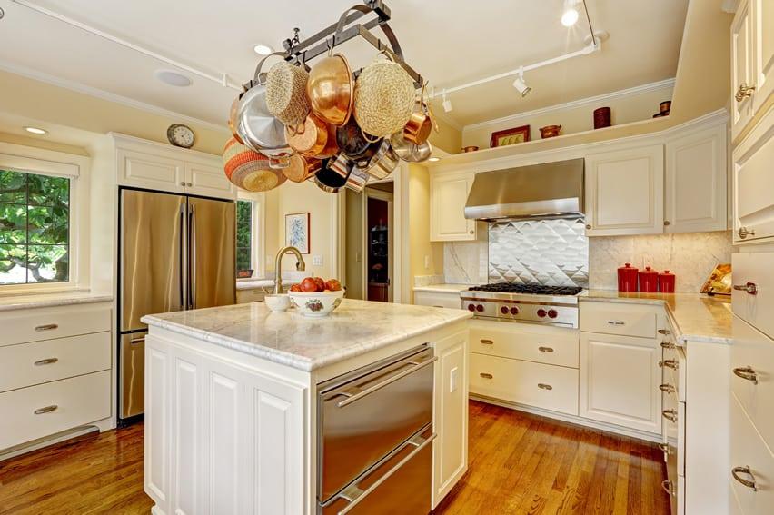 White u shaped chefs kitchen