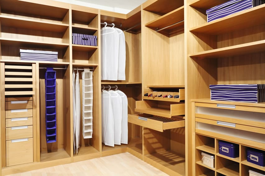 Merveilleux Custom Walk In Closet Design In Wood