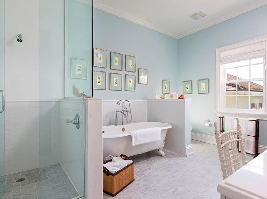 Cottage bathroom with double ended clawfoot tub