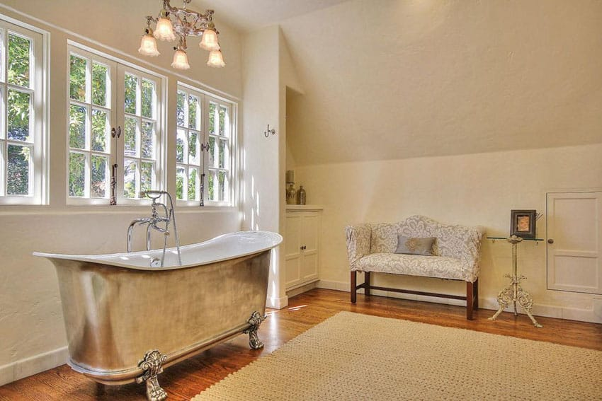 27 Beautiful Bathrooms With Clawfoot Tubs (Pictures) - Designing Idea