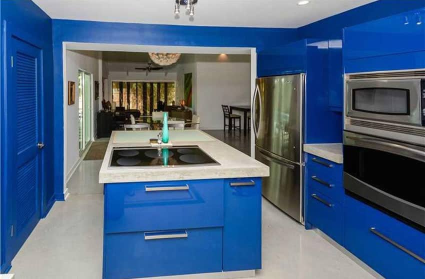 Are Bright Kitchen Walls In Or Out