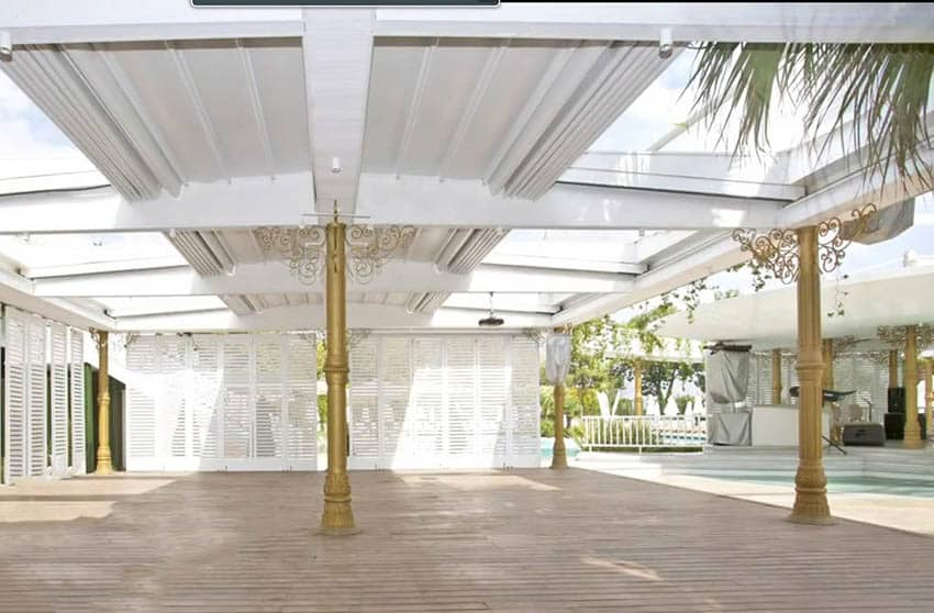 Large retracting pergola canopy