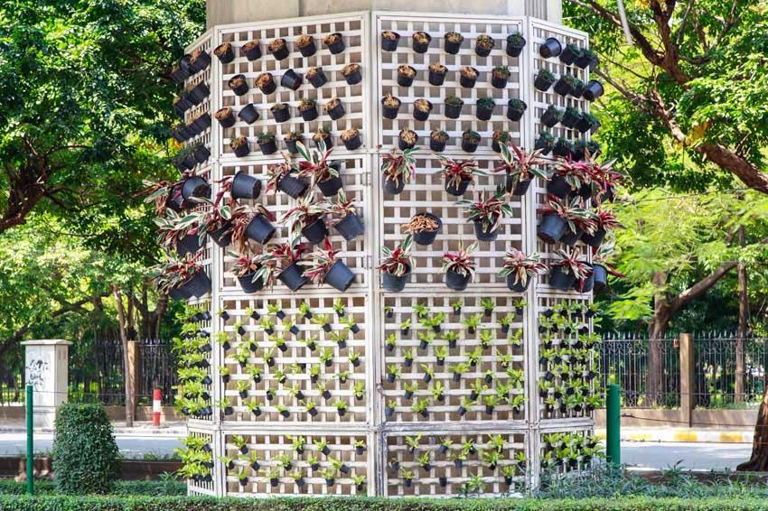 Octagonal vertical garden
