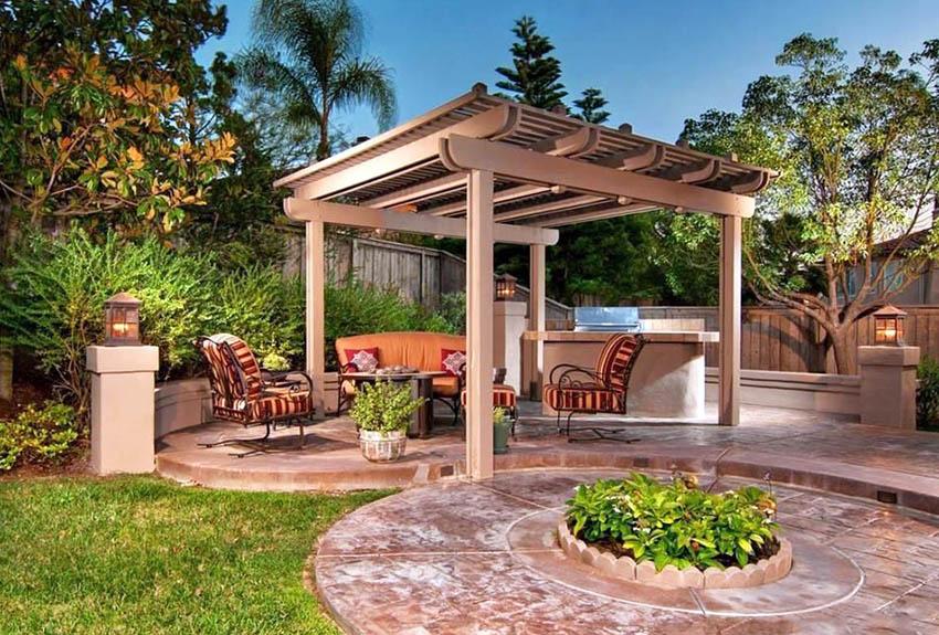 Wood pergola with slatted canopy