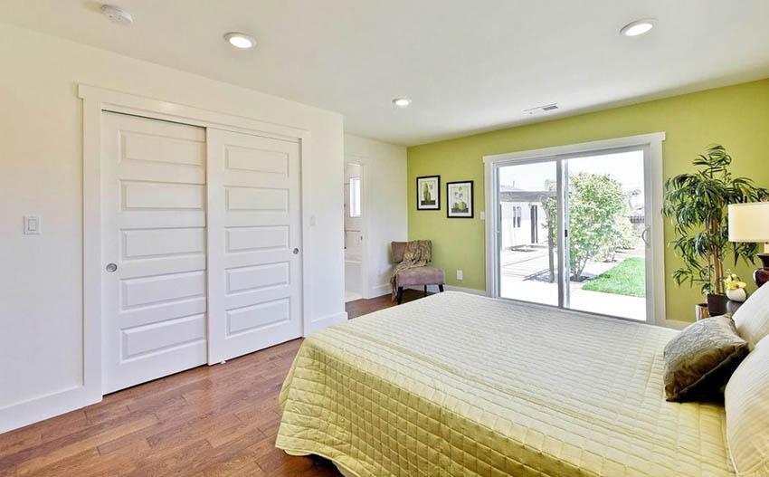 Bedroom With Byp Closet Doors
