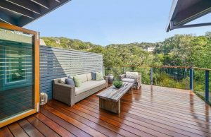 contemporary-wood-deck-with-horizontal-fence-and-glass-railing