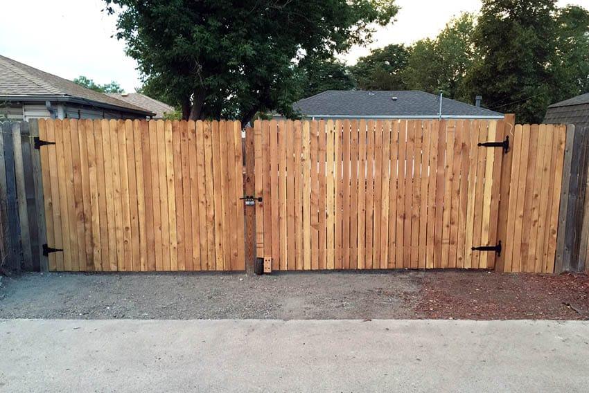 Diy wood driveway gate fence
