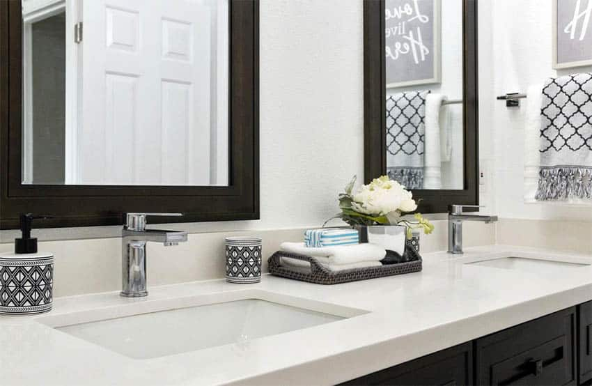 bathroom-dual-vanity-with-two-centerset-faucet