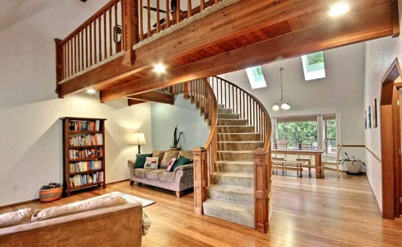 Craftsman wood stair railings