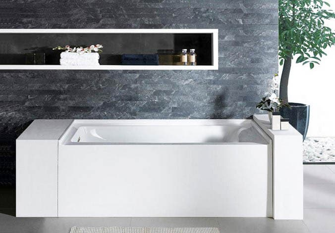 Deep alcove tub
