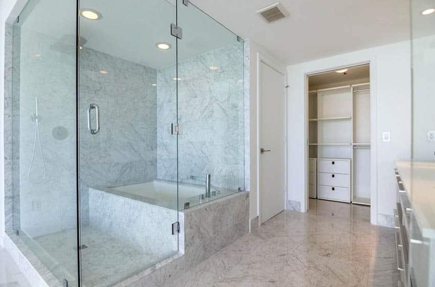 Large quartz shower with bathtub bench
