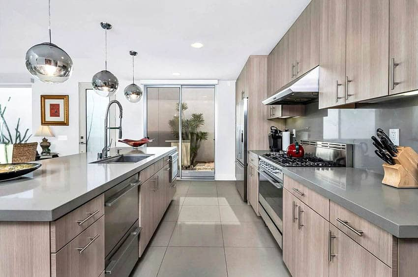 Contemporary kitchen with hidden cabinet hinges