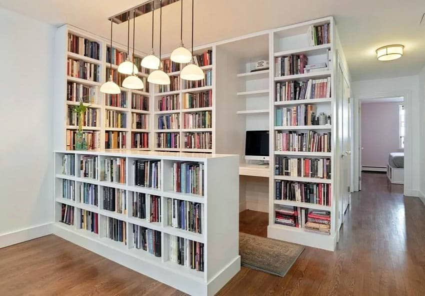 Office nook with built in desk and bookshelves
