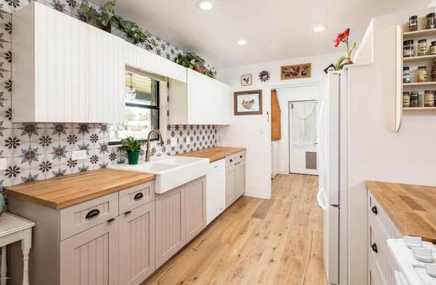 cottage-kitchen-with-lower-beige-beadboard-cabinets-and-white-upper-beadboard-cabinets