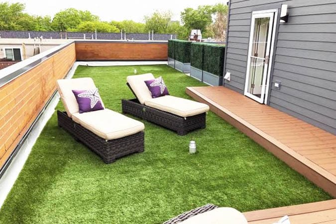 Rooftop deck with artificial grass