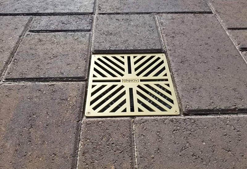 Paver patio drainage system
