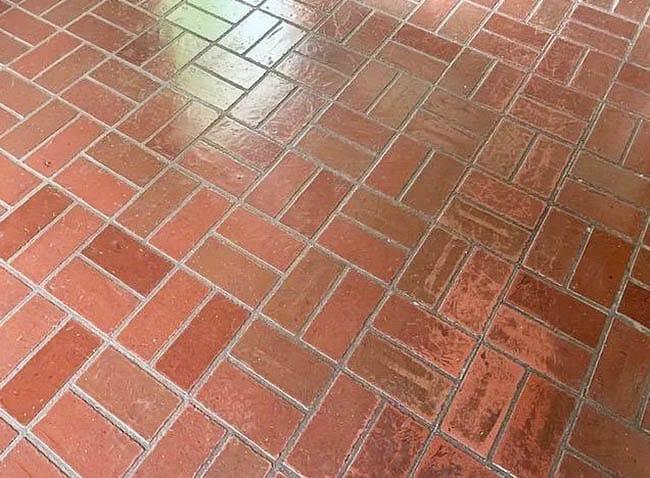 Brick laminate flooring