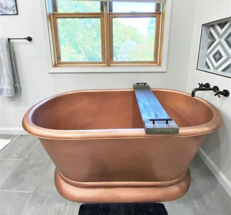 Custom copper bathtub