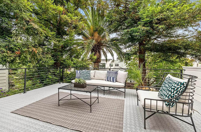 Rooftop deck sitting area