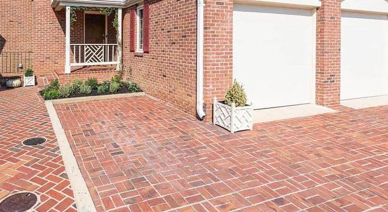 Basketweave pattern brick paver driveway