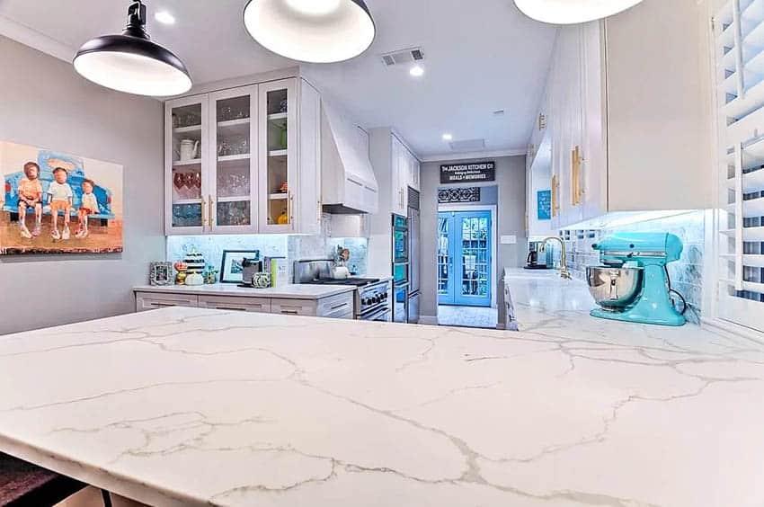 Kitchen with calacatta quartz slab countertop