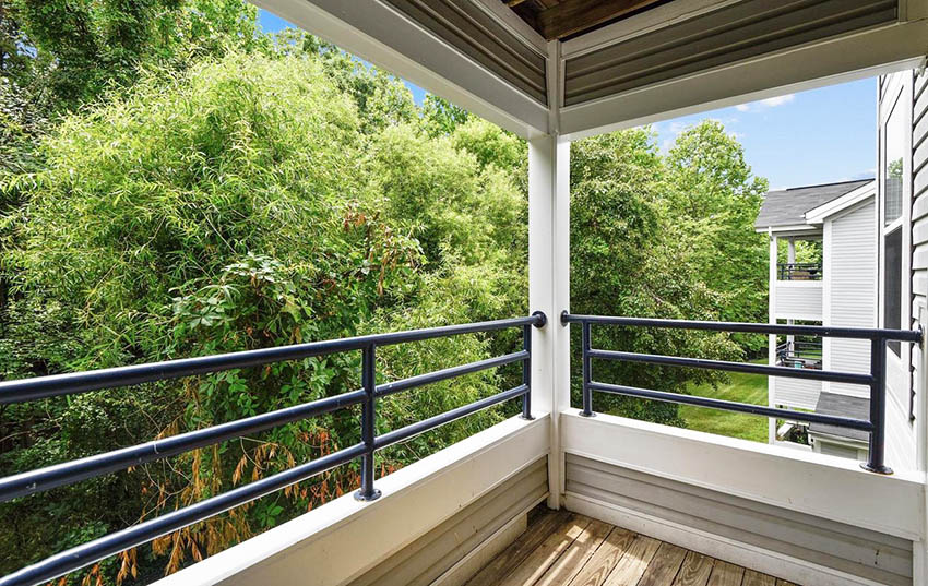 Metal pipe deck railing